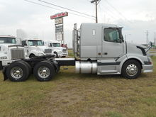 Used 2005 VOLVO TRAC