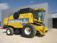 2008 New Holland CSX 7080 HARVE