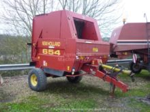 1999 New Holland 654