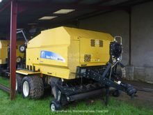 2009 New Holland BR 6090 COMBI
