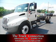 2006 International 4300 Cab & C