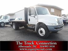 2004 International 4300 Flatbed