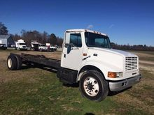 2000 International 4700 Cab and
