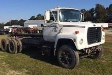 1985 Ford L8000 Cab and Chassis