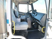 2000 Freightliner FL80 1257369