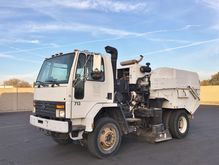 1997 Ford CF7000 1341800