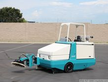Tennant 385 Gas Power Sweeper