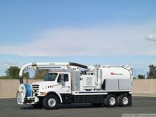 2000 Sterling L7500 with Vac-Co
