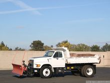 1997 Ford F700 Snow Plow Dump T