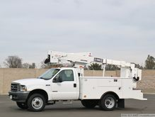 2004 Ford F550 XL SD with Terex