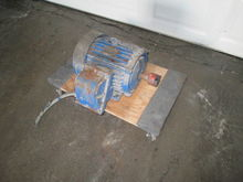 7.5 hp Teco Electric Motor 3040