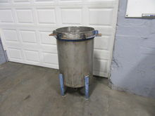 Stainless Steel Vertical Tank.