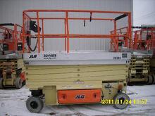 Used 2011 JLG 3246ES
