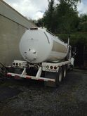 2002 MACK CH613 with 80BBL VACU