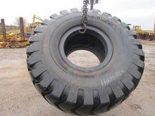 Tyres : YOKOHAMA 33.25x29