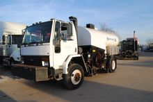 1996 FORD CF8000