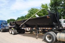 2003 RANCO 32 FT HARD STEELEND