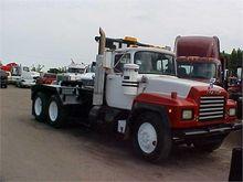 Used 1997 MACK RD690