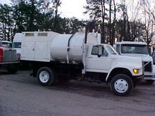 1998 FORD F800