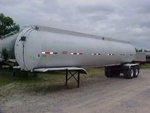 1972 TRAILMOBILE 8500 GALLON