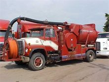 1981 FORD 8000