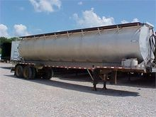 1990 LEDWELL BULK FEED TRAILER