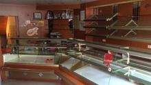Bakery shop counter