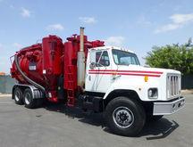 2000 Vac-Con 4716SM Industrial