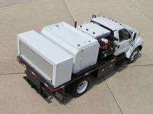 2004 F750 Fuel - Lube Truck