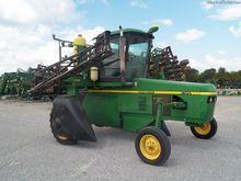 2000 John Deere 6700