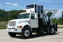 2001 Int'l 4700 4×2 Petersen Re