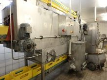 Bottle washer Crate washer, in