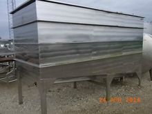 Stainless steel tub with circul