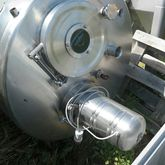 1500 liter double-cap tank.
