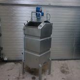 Used 300 liter tank