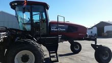 MACDON 2008 M200 SP SWATHER & 1