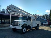 2004 INTERNATIONAL 7300
