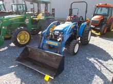 NEW HOLLAND BOOMER 35 FARM TRAC