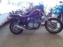 1985 YAMAHA XJ700 MOTORCYCLE, V