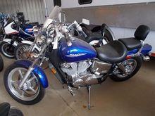 2004 HONDA SHADOW MOTORCYCLE, V