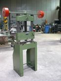 Hand spindle press / spindle pr
