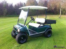 Golfkar verhoogd, terreinbanden