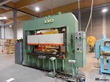 Used LVD EM 80 ton i