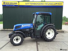 2014 New Holland T4.105N
