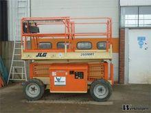 Used 2001 JLG 260MRT