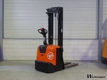 Used 2010 BT SPE 160