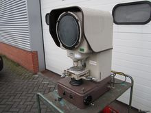 Nikon profile projector
