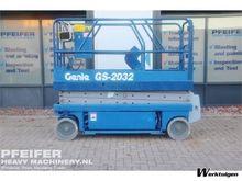 Used 1999 Genie GS-2