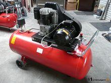 UWM 4 PK compressor