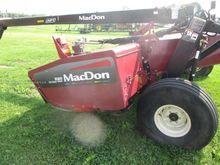 2007 MacDon R80